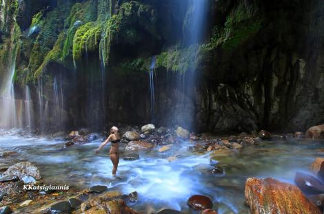 11.Στο φαράγγι Πανταβρέχει στην Ευρυτανία «χάνεσαι» στην μαγεία του νερού